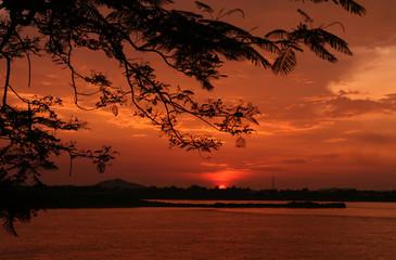 Foto auf AluDibond Rot kubanischen Scenic View Of Dramatic Sky Over Landscape