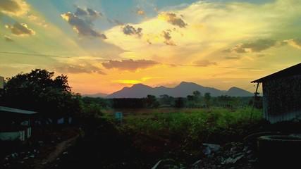 Foto auf AluDibond Gelb Schwefelsäure Scenic View Of Landscape Against Sky During Sunset