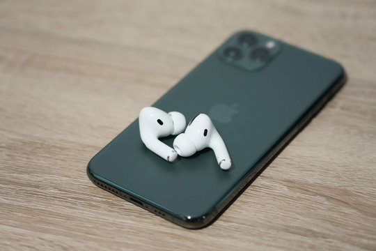 Close-up on The New Apple Airpods Pro