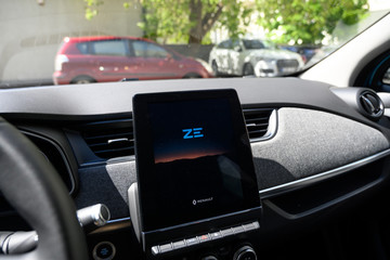 Renault ZOE multimedia system