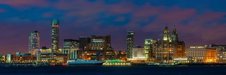 Fototapete - Liverpool skyline night