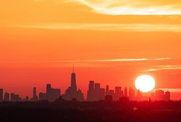 Fototapete - New York City downtown skyline sunrise