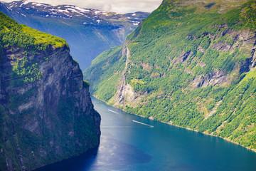 Poster de jardin Olive Geirangerfjord in Norway