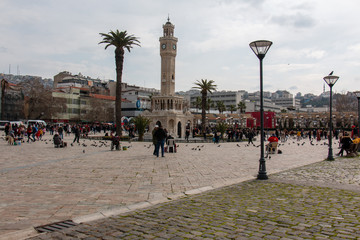 Foto auf Leinwand Buenos Aires İzmir / Konak clock tower square and people