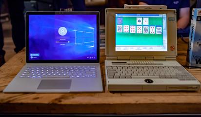 Laptop-Vergleich und Laptop-Entwicklung zum Jubiläum 30 Jahre Windows 95: Surface Book 2015 und Siemens PCD-4ND 1995