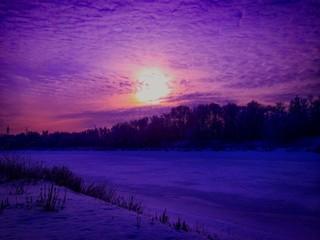 Foto auf AluDibond Violett Snow Covered Landscape During Sunset