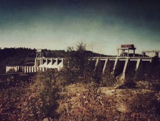Foto auf Gartenposter Dunkelbraun Bridge Of Landscape Against Clear Sky