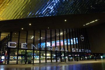 Foto auf Gartenposter Rotterdam Interior Of Rotterdam Centraal Railway Station