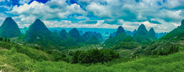 Foto auf AluDibond Blau türkis Panoramic View Of Landscape Against Sky