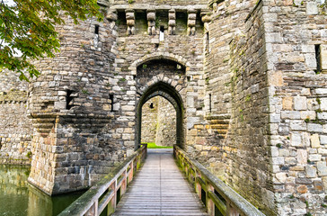 Foto auf AluDibond Altes Gebaude Beaumaris Castle in Wales, UK