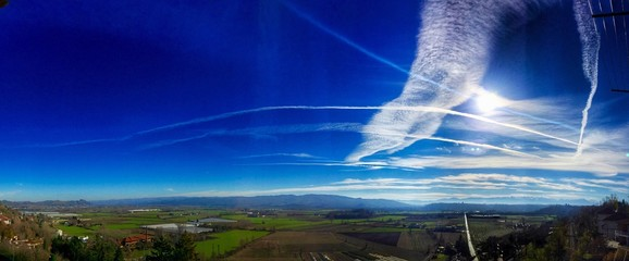 Foto auf AluDibond Dunkelblau Scenic View Of Landscape Against Blue Sky