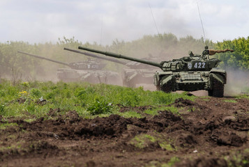 Servicemen of the self-proclaimed Donetsk People's Republic (DNR) conduct military exercises at a target range outside the town of Horlivka (Gorlivka)