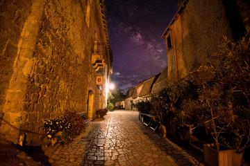 carennac im Tal der Dordogne bei Nacht