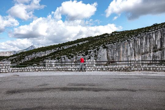Frankreich, Provence-Alpes-Côte d'Azur, La Palud-sur-Verdon, Die Verdonschlucht, französisch Gorges du Verdon, umgangssprachlich auch Grand Canyon du Verdon, ist eine Schlucht in der französischen Provence. Die Schlucht ist eine der größten Schluchten Europas