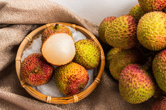 the jade purse lychee; the Yuherbau Litchis the Agricultural products