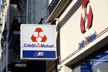 credit mutuel signboard