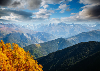 壁紙(ウォールミューラル) - Beautiful view in high Caucasus mountains on sunny day. Location place of  Upper Svaneti, Georgia.
