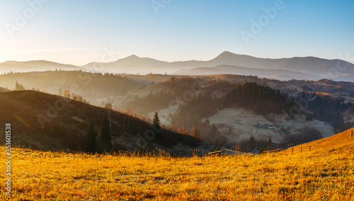 Wall mural Beautiful sunny day in incredible mountain landscape. Location place of Carpathian mountains.
