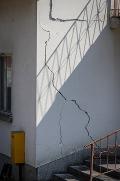 Damage house after a strong earthquake