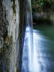 Photo sur Aluminium Rivière de la forêt waterfall in the park