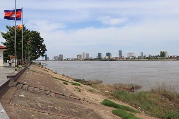 Wall Mural - Phnom Penh - Fleuve Mékong
