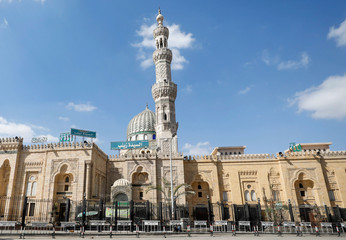 A view of the closed El Sayeda Zeinab Mosque during Eid al-Fitr, a Muslim festival marking the end of the holy fasting month of Ramadan, amid concerns about the spread of the coronavirus disease (COVID-19), in Cairo