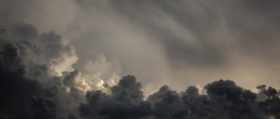 Scenic View Of Cloudy Sky Fotobehang