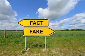 Fact, Fake, Fake News, Falschmeldung, Manipulation, Lüge, Nachrichten, Fälschung, Propaganda, Fakten, Politik, Populismus, Tatsachen, Realität, Symbol, Presse, Internet, Wahrheit, Unwahrheit