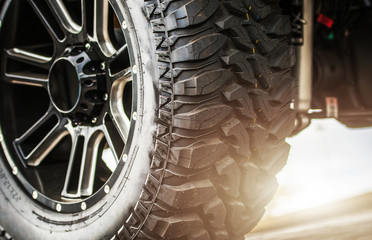 Poster Pays d Asie Off Road Vehicle Suspension and Heavy Duty Tires