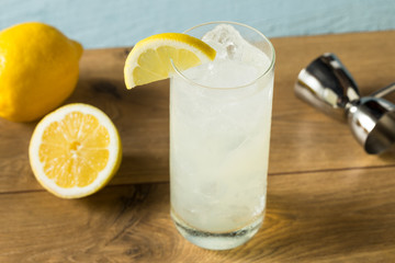 Fototapete - Refreshing Gin Tom Collins Cocktail