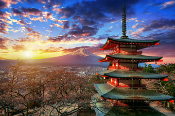 Wall Mural - Chureito pagoda and Fuji mountain at sunset in Japan.