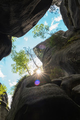 Sun rays between the rocks