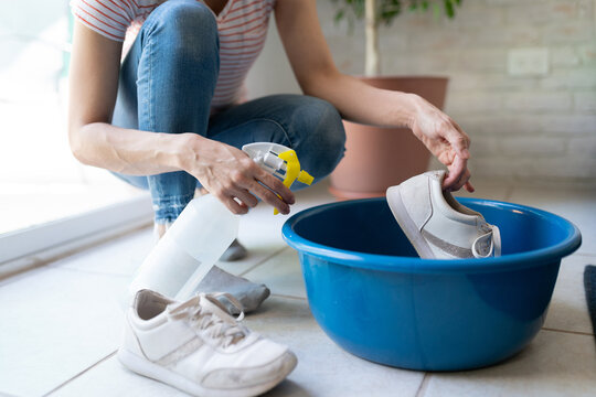 Disinfecting shoes when arriving home