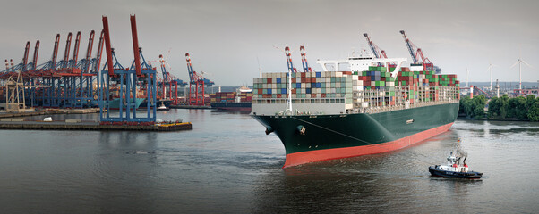 Fototapeta Panorama of a large container ship in the port of Hamburg  obraz
