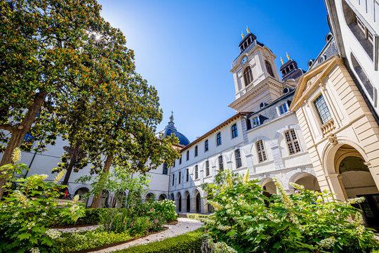 Le Grand Hôtel-Dieu de Lyon