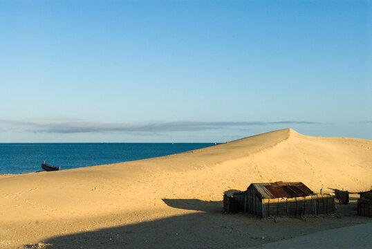 Habitation de pêcheurs vezo, Sarodrano - Madagascar.