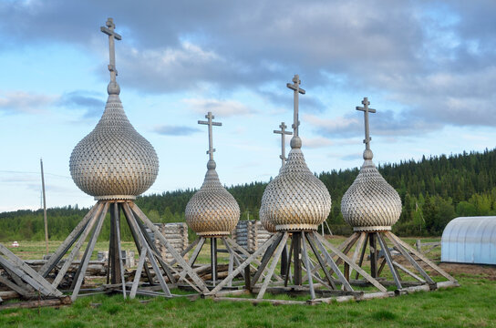 Kola Peninsula, orthodox domes in old Pomeranian village of Varzuga