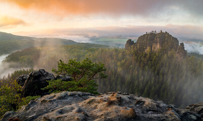 sunrise in the rocks