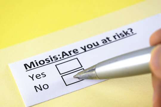 One person is answering question about miosis.