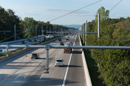 e-highway test track in Germany against co2 pollution