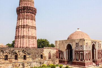 Printed kitchen splashbacks Delhi Alai Darwaza Gateway in the Foreground with the Famous Minaret behind It at Qutub Minar in New Delhi, India