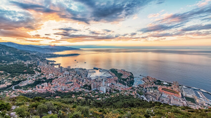 Fototapete - Monaco on the French Riviera in the morning
