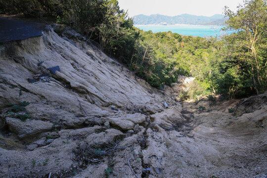災害:土砂崩れ