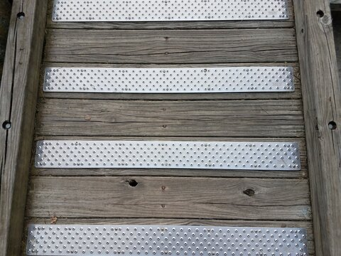 wood ramp with metal traction