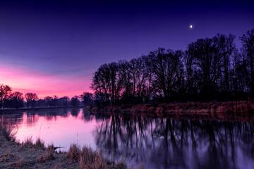 Foto op Canvas Violet rzeka
