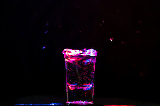 shotglas,pink, 80er, coldmedina, medina
