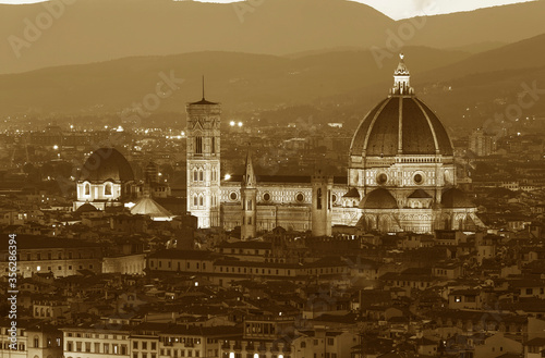 Fototapete Basilica of Santa Maria del Fiore (Basilica of Saint Mary of the Flower) in Florence, Tuscany, Italy