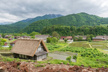 Fototapete - Idyllic landscape of historic village Shirakawa-go in Japan in Springtime