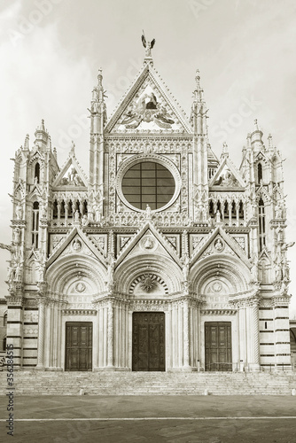 Fototapete Church Cattedrale di Siena in historical city Siena, Tuscany, Italy