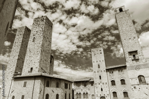 Fototapete historical building in medieval town San Gimignano, Tuscany, Italy